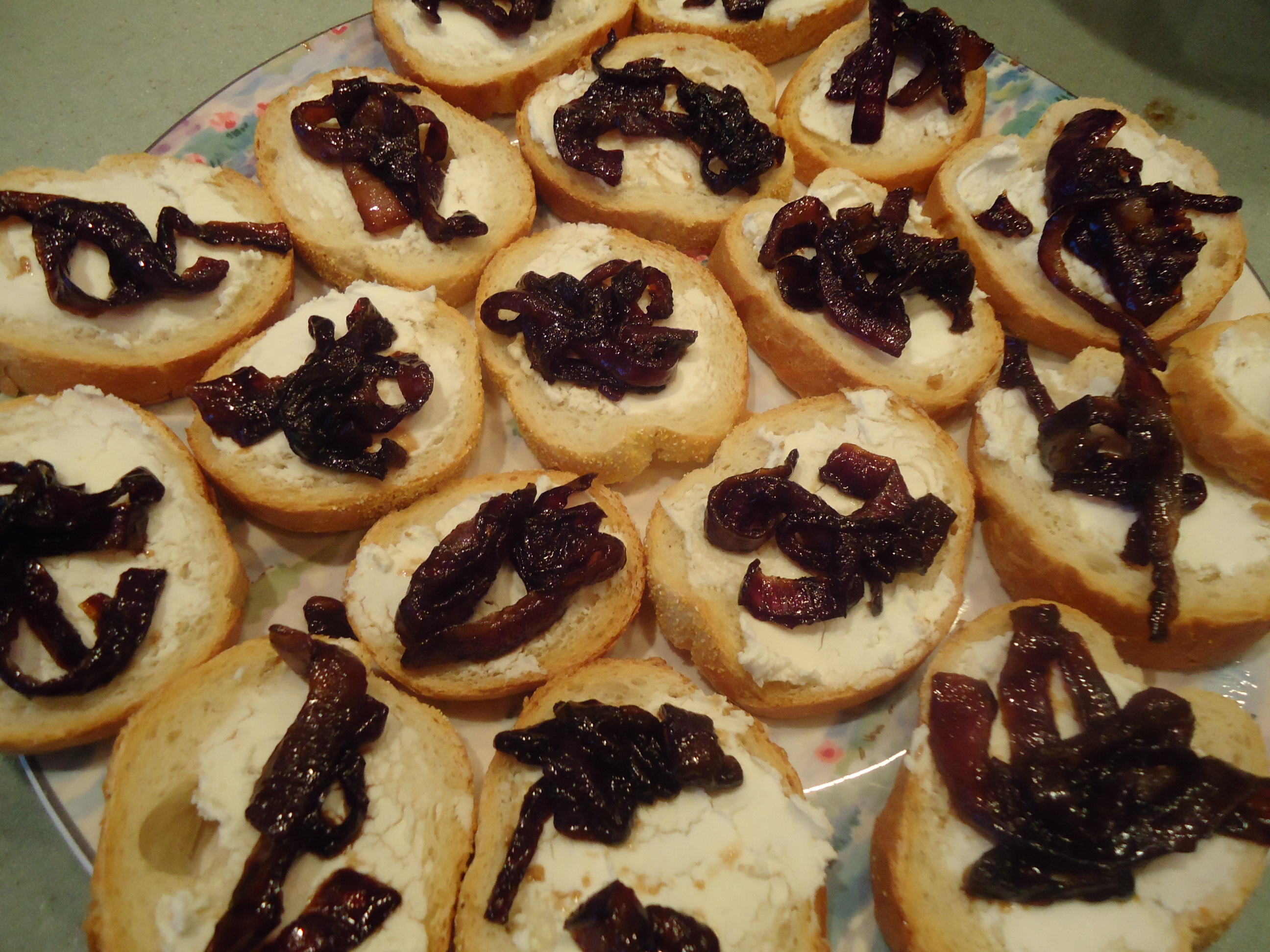 Caramelized onion and cheese canapes elegant easy and for Simple canape appetizer