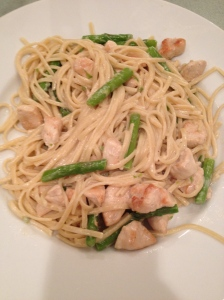 Linguini with chicken and asparagus